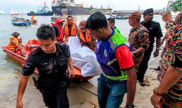 Mayat penumpang jatuh feri dijumpai terapung