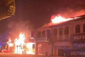 Lima unit kedai musnah dalam kebakaran