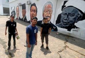 'Sedih karya diconteng tapi kami tak serik untuk hasilkan mural lagi' – Pelukis mural gergasi