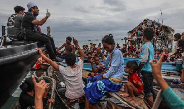 Ebit Lew Islamkan satu kampung di Sabah